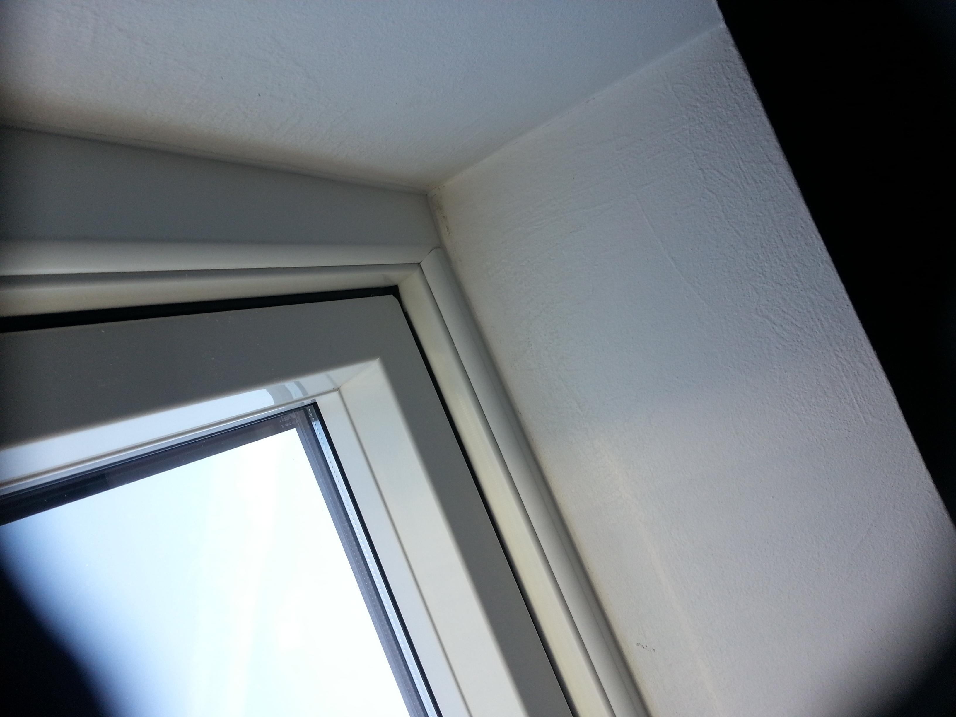 Avigliana finestre da tetto roto diatribe porte e finestre - Finestre da tetto ...