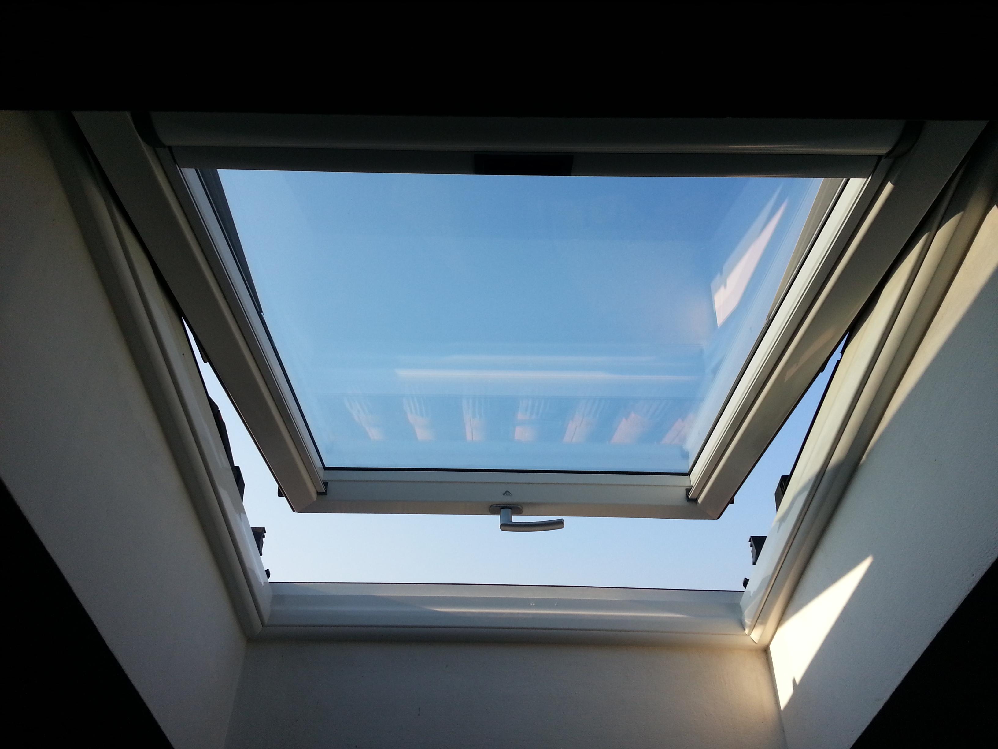 Avigliana finestre da tetto roto diatribe porte e finestre for Roto finestre da tetto